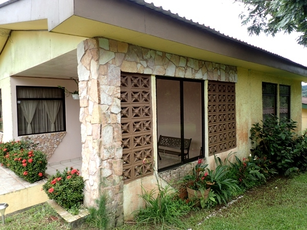 Pleasant 3 BR Tico Home in Central Part of Town