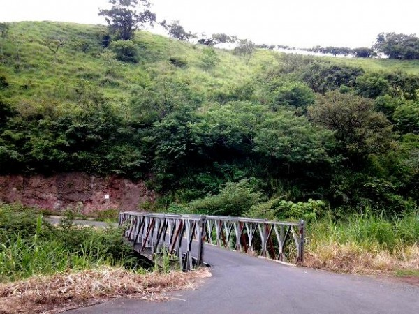 Bank-owned property in Tilaran- 15,144 m2 next to bridge on main road