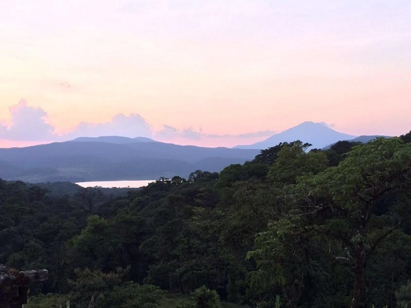 3 hectares with Spectacular Lake and Volcano Views