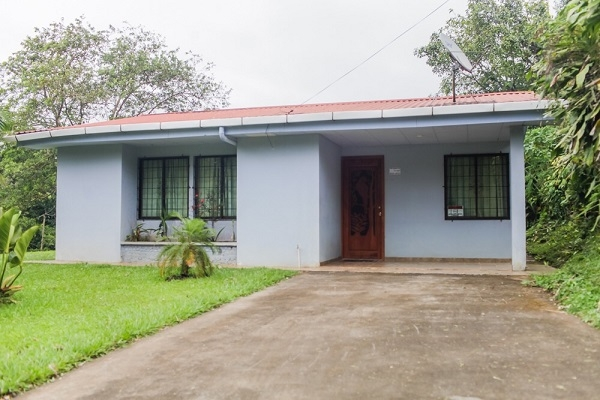 Completely Remodeled 3 BR Tico House