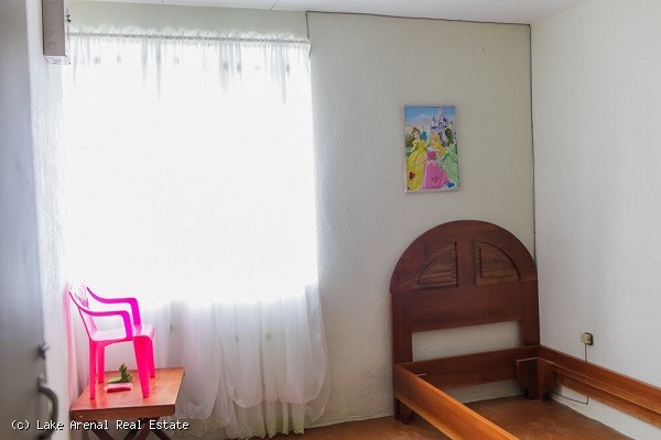 2 BR Tico Home in Center of Town