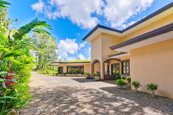 Spectacular Estate Home and Development Opportunity Overlooking Lake Arenal